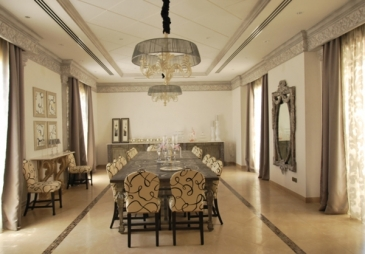 A gorgeous dining room in a villa in Khobar, designed by RK Interiors. Photo courtesy of www.rachakayali.com