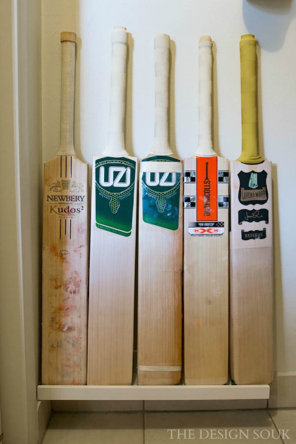 Picture Ledge for Cricket Bats.jpg